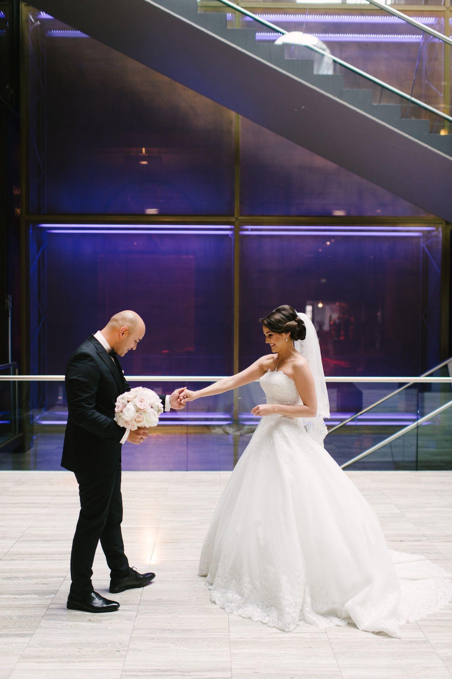 Hochzeit Imperial Ballsaal First Look Brautpaar Turkische Hochzeit Brautpaar Heiraten