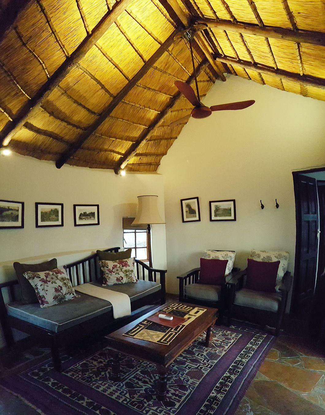 Etosha Aoba Lodge Namibie Lavaliseafleurs Com Namibie Road