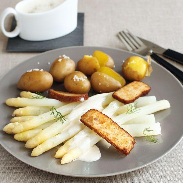 Rezept für Spargel mit veganer Sauce hollandaise | Küchengötter