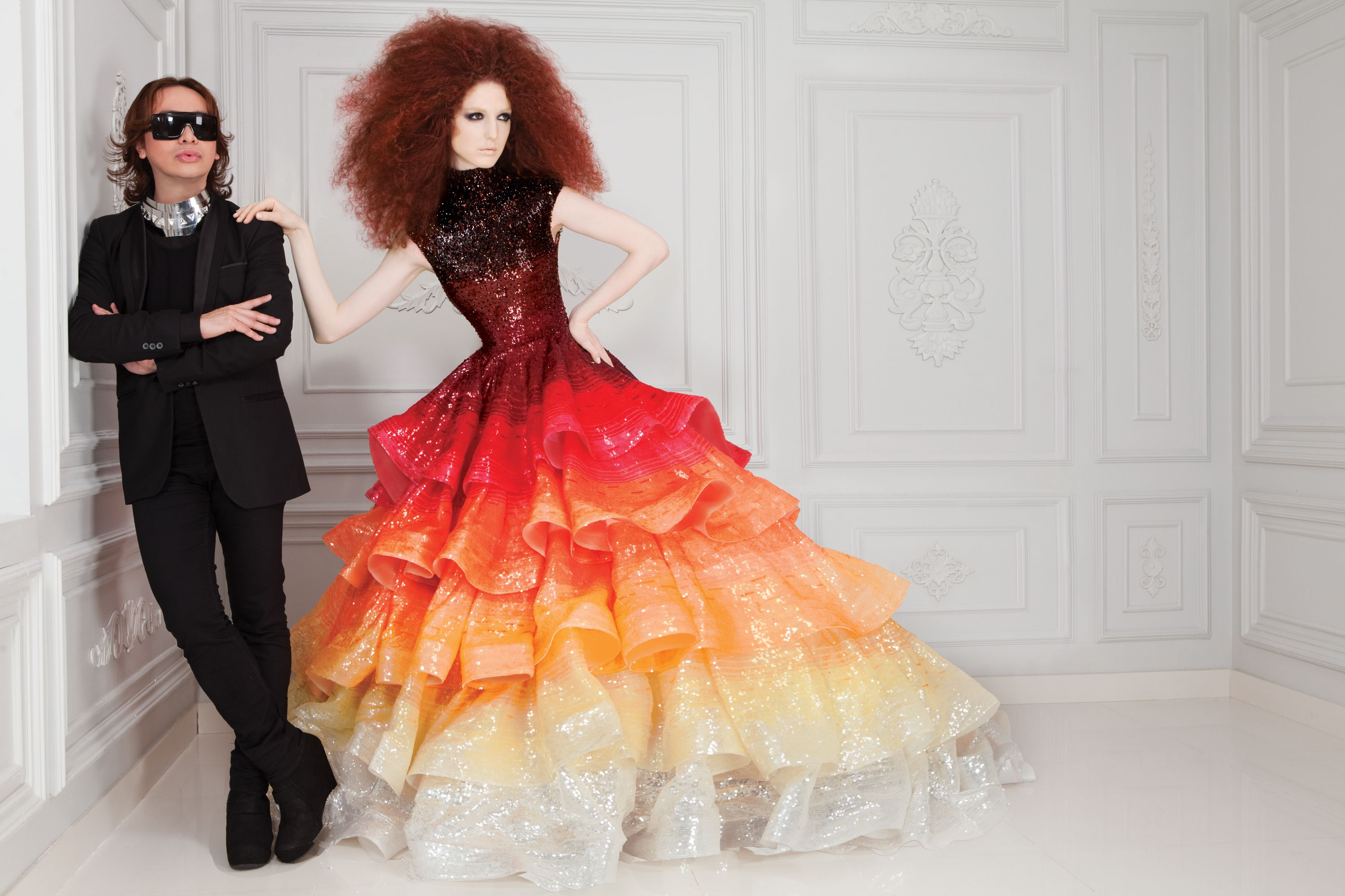 Dubai Based Filipino Designer Michael Cinco Is Best Known For His Fabulous Couture Gowns In The Middle East Cinco Achieved Luxury Status Through His Innate Cre