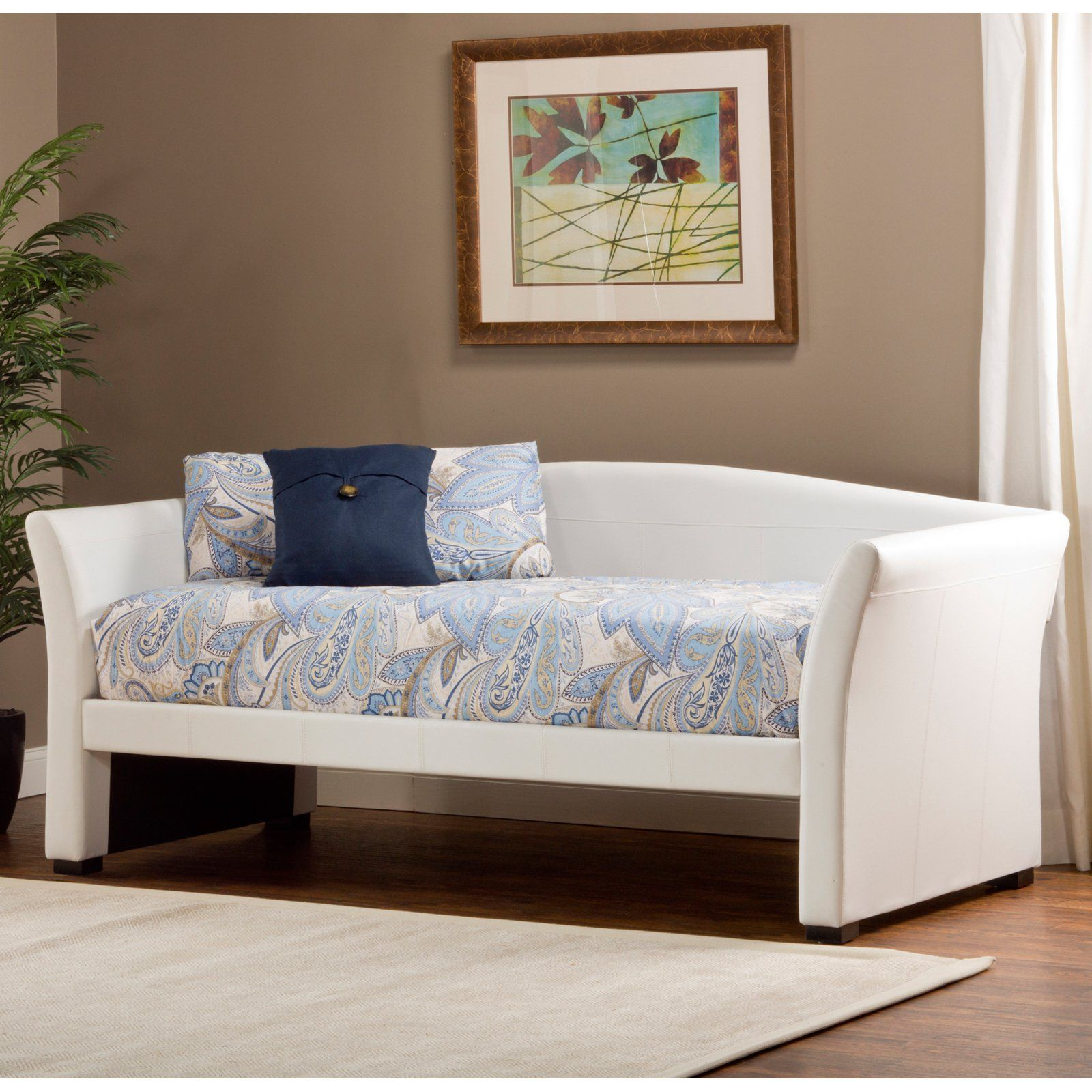 Montgomery Daybed White The sleek look of the