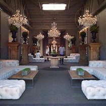 Restoration Hardware photo of: RH - Corporate Office | Kanapé