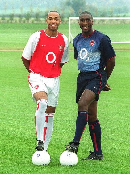 newest ba5ca 7f0e6 Thierry Henry and Sol Campbell in the Arsenal 2002/03 home ...