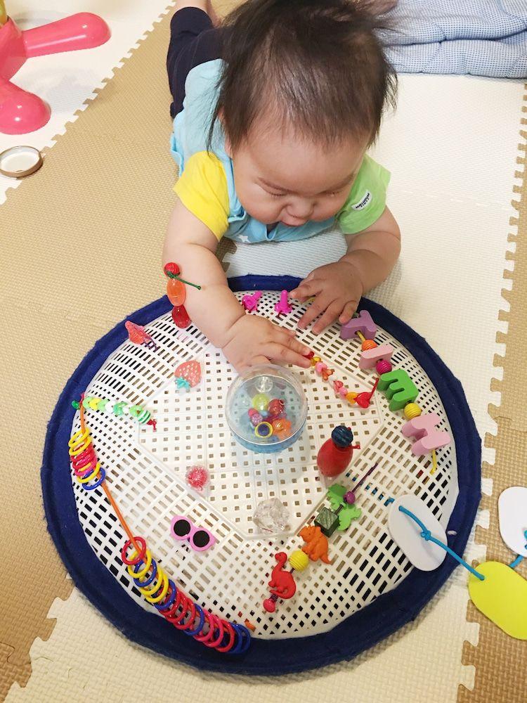 手作りおもちゃ ザルのパッチンボード 赤ちゃん 手作り プレゼント 手作りおもちゃ 手作りおもちゃ 保育園