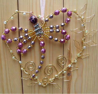 crstal dragonfly in a wirework heart Beaded jewelry diy