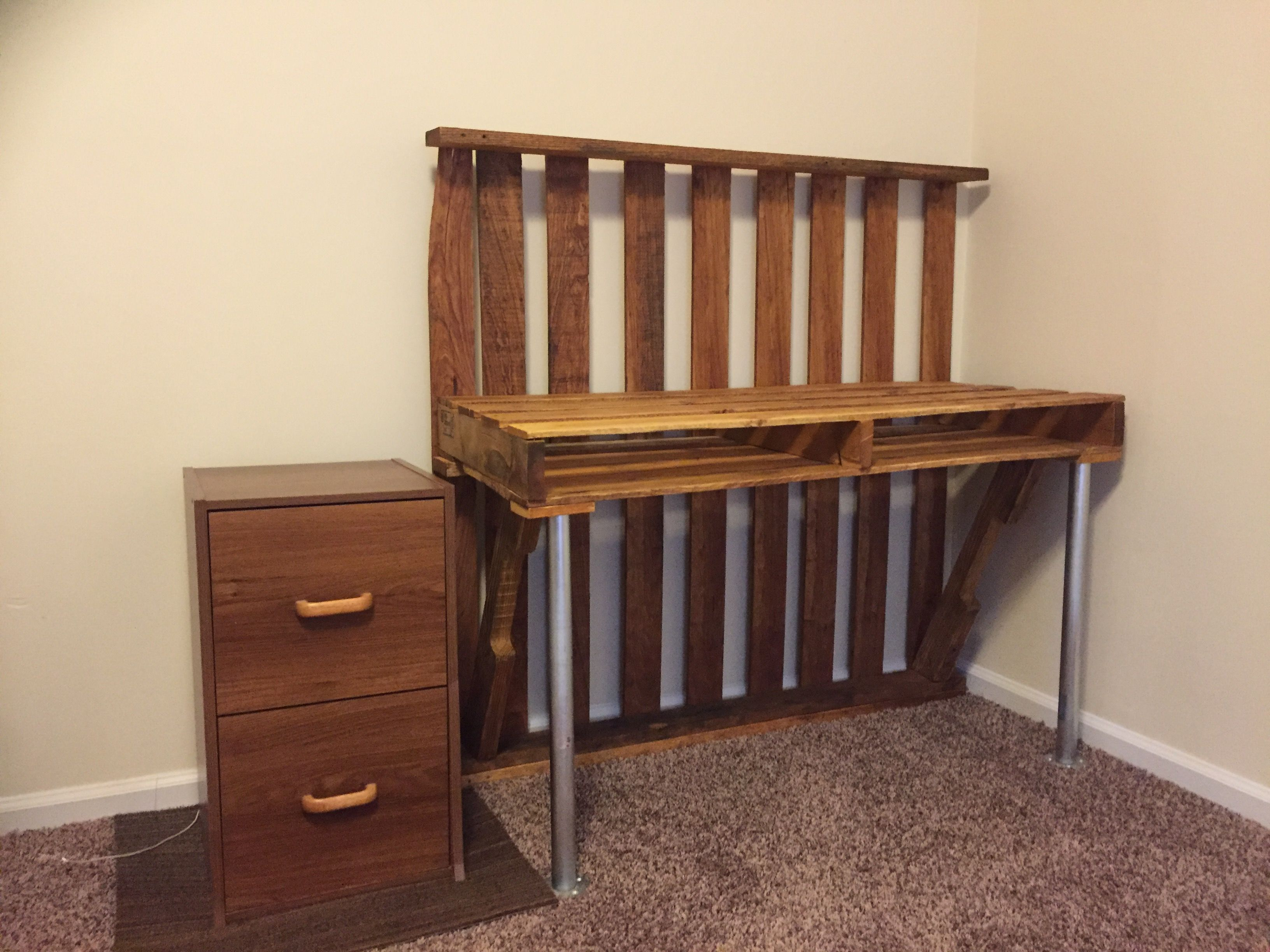 Pallet Wood Computer Desk With Conduit Pipe Legs Used A