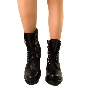 Pin su stivali,scarpe,abiti,camicie,giacche militari o