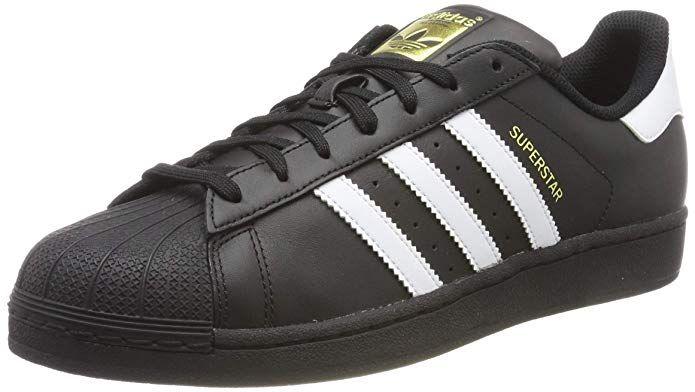 Pin auf Schwarze Sneakers