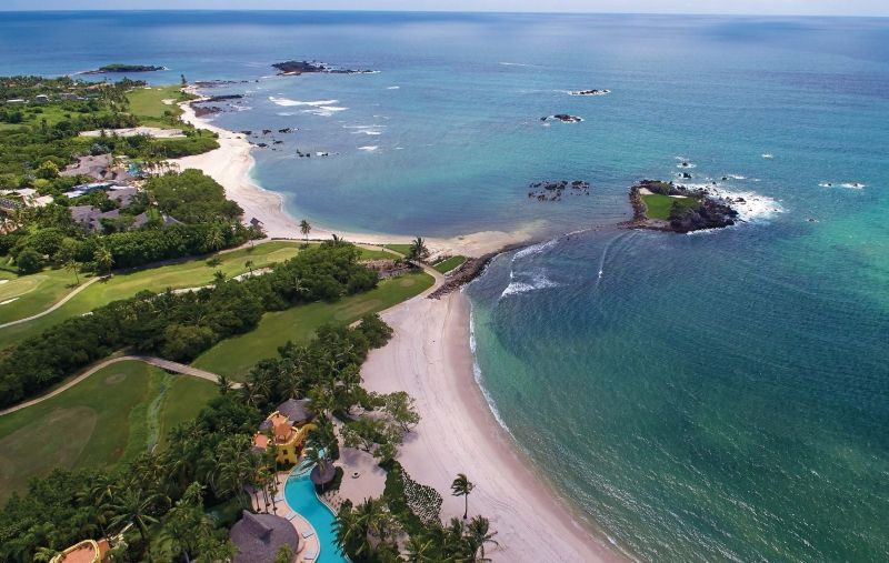 Punta Mita S Famous Golf Hole Tail Of The Whale Surfing Punta Mita Surf Camp
