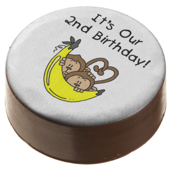 Monkey Twin Boys 2nd Birthday dipped Oreos and Oreo pops, a sweet treat for the birthday child and the guests at the celebration, also makes a fantastic take home party favor! Features two adorable little monkeys and a big yellow banana with kid style text that reads It's Our 2nd Birthday! #kids #birthdays #2nd #birthday #second #two #monkeys #money #2nd #birthday #twins #brothers #twin #boys #animals #cute