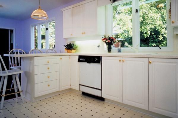 eco friendly flooring solutions linoleum vinyl and linoleum are not the same product - Kitchen Floor Solutions