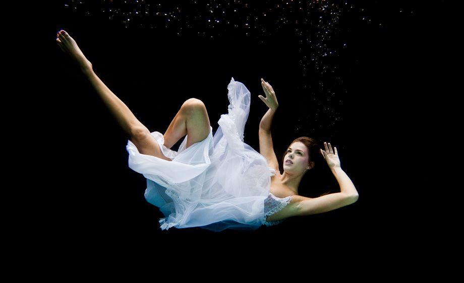 今日お金を借りるならどこがいい Underwater Photography Glamour Shots Underwater