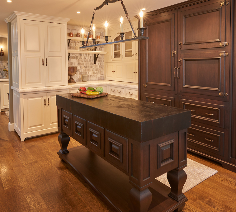 Design Awards Winners Wood Mode Fine Custom Cabinetry Available At Kn Sales In Houston Tx Www K Custom Kitchens Design Cabinetry Design Custom Cabinetry