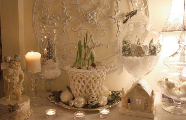 christmas in white from myromantichome...lovely!  really love the shoots coming through 'snow'...