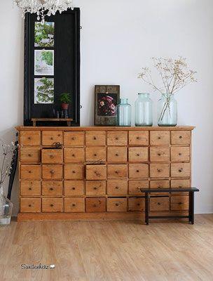 antiker apothekerschrank, vintage apothekerkommode, sideboard - moderne wohnzimmer gestalten