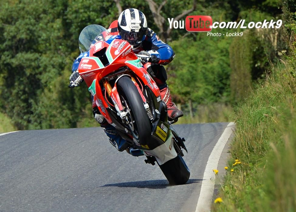 """""""@Locck9: .#RR @M_Dunlop3  """"On The Pipe"""" 140-MPH / 225-Kmh Exiting Lougher's Corner @UlsterGrandPrix,N.Ireland """""""