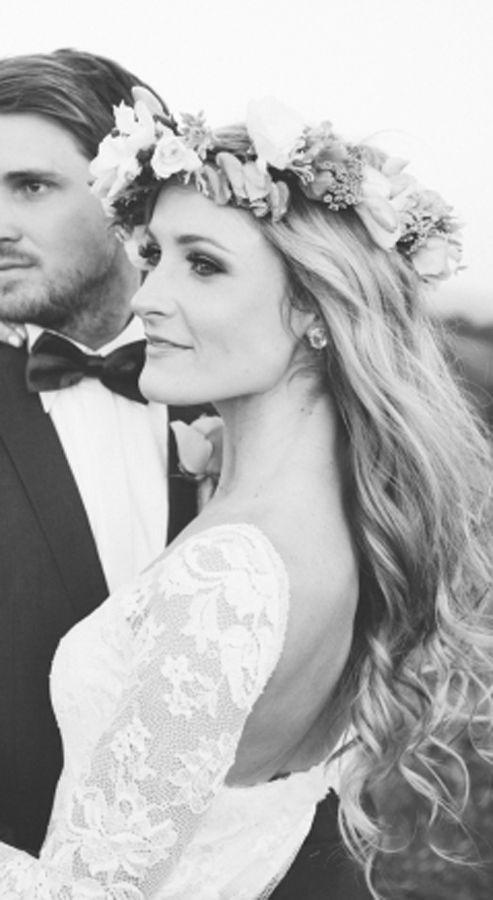 boho vintage bride in our lace wedding dress Antonia #boho #bohobride #weddingdress