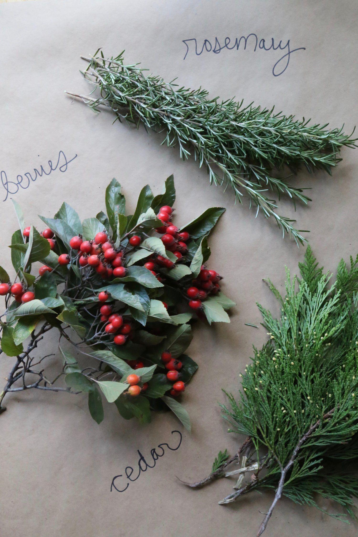 How to make a city foraged wreath