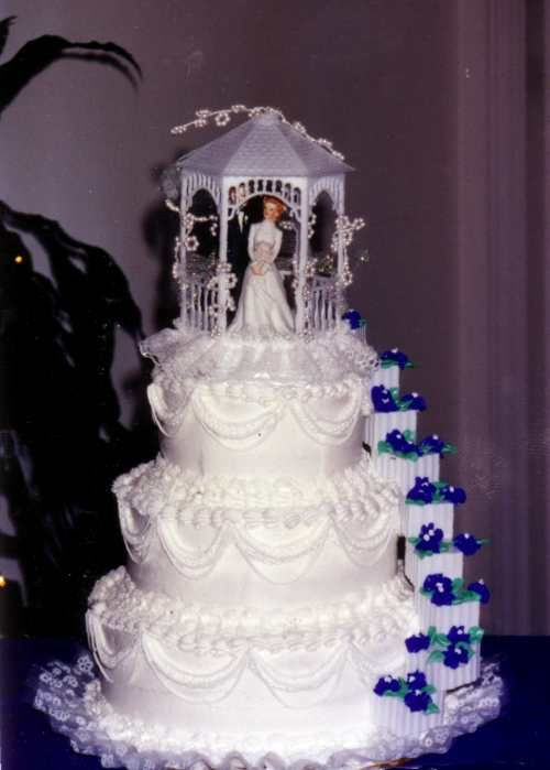 traditional mexican wedding cake toppers traditional wedding cakes