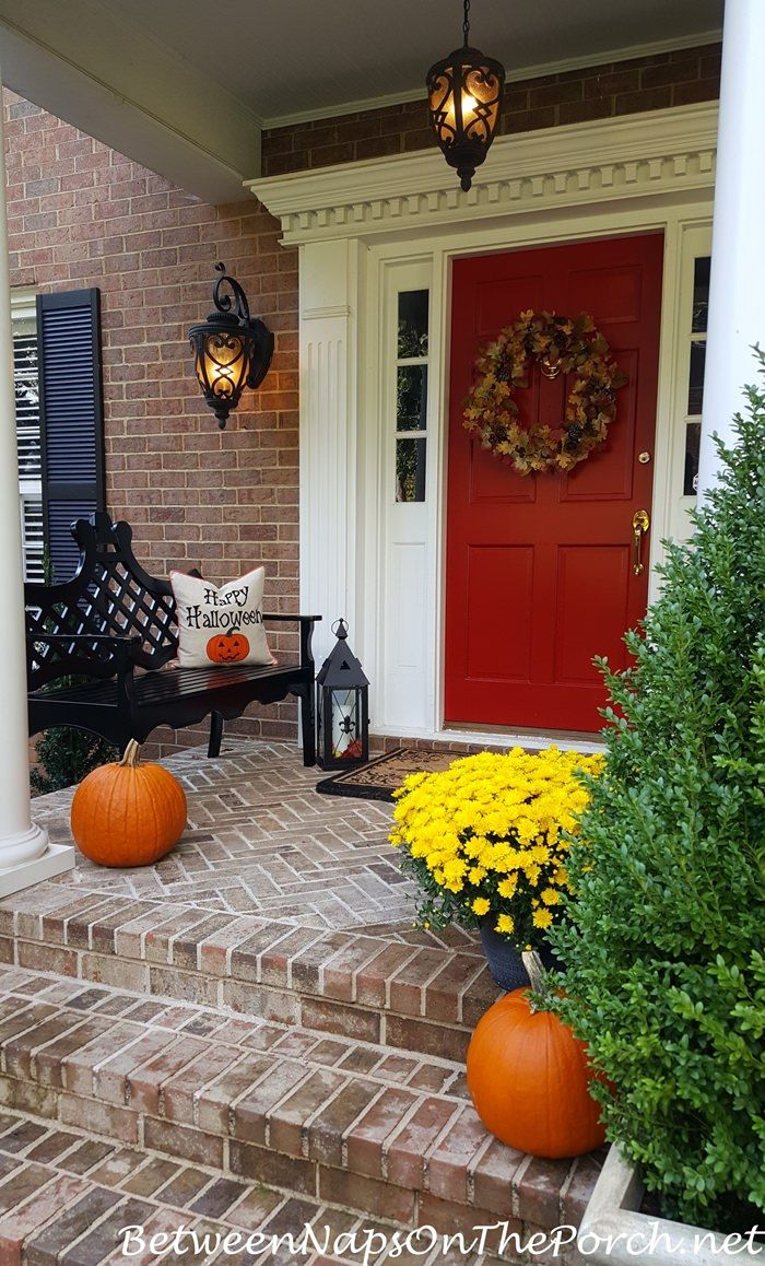 Easy tips on how to decorate your porch for autumn and halloween from between naps on the porch