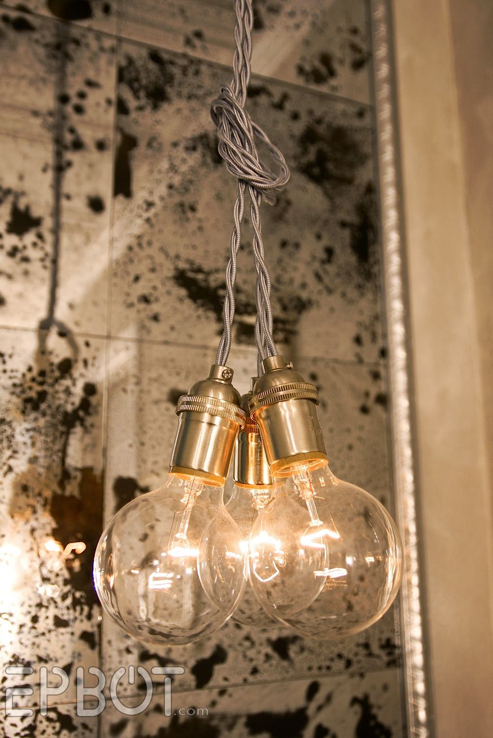 Beleuchtung ideen zu hause bare bones pendant lighting  the vintage style with just a cord and