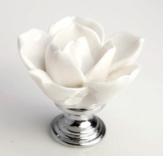 Lotus bianco elegante comò manopole cassetto manopole tirare le maniglie / armadio da cucina manopole Hardware rustiche in ceramica fiori manopola Hardware M06