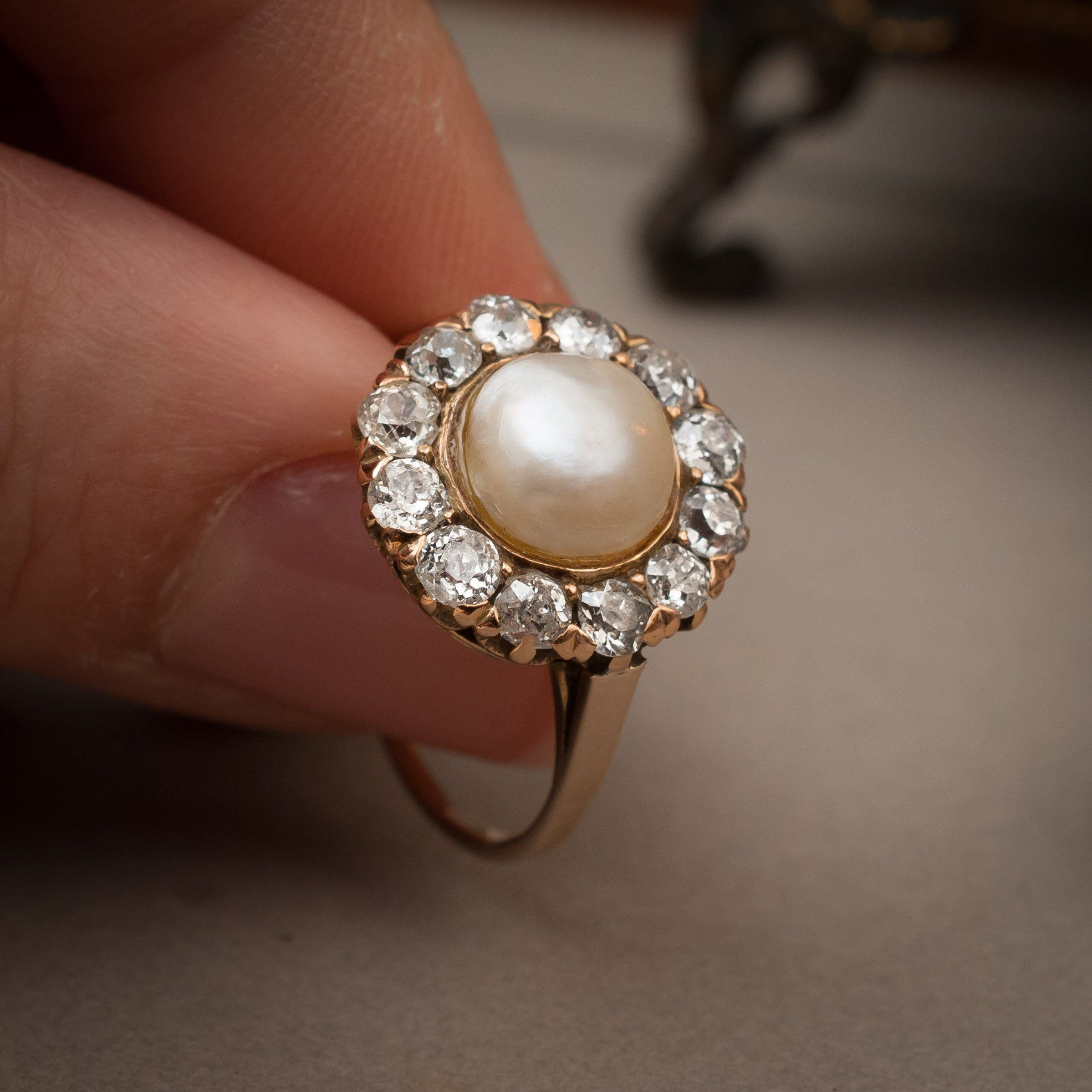 auction epoque projects platinum catalogues with a rings wedding r lot natural rare lempertz ring belle en pearl