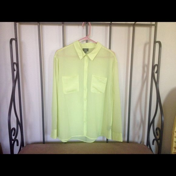 Nwot electric yellow green top looking for  pop of color this also chartreuse tops rh pinterest