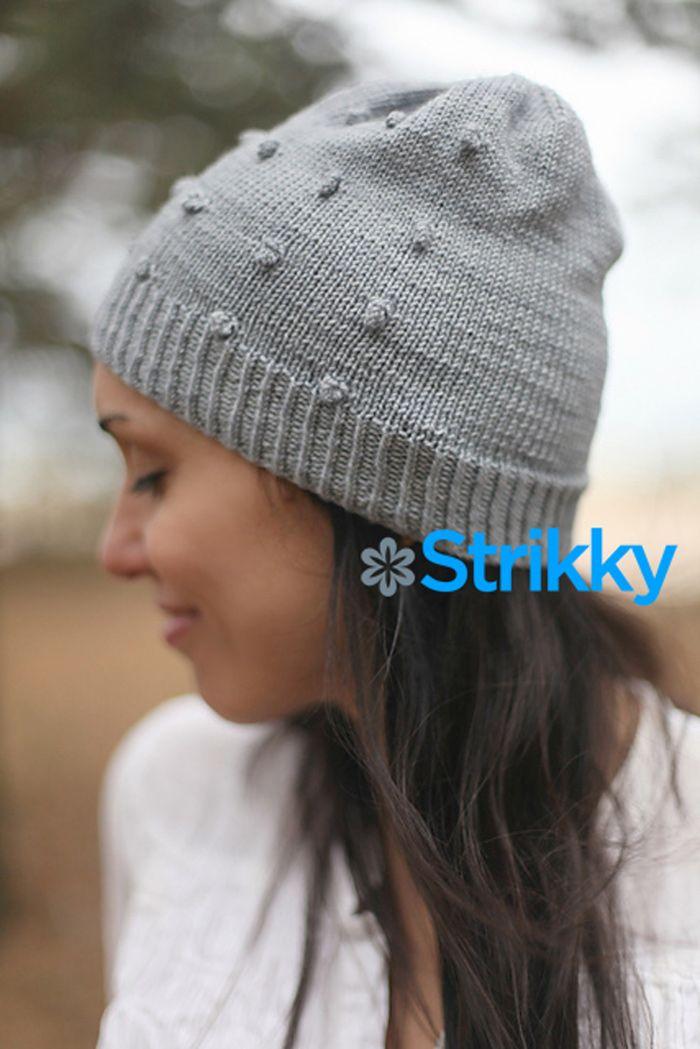простое вязание спицами женская шапка с шишечками шапочка очень