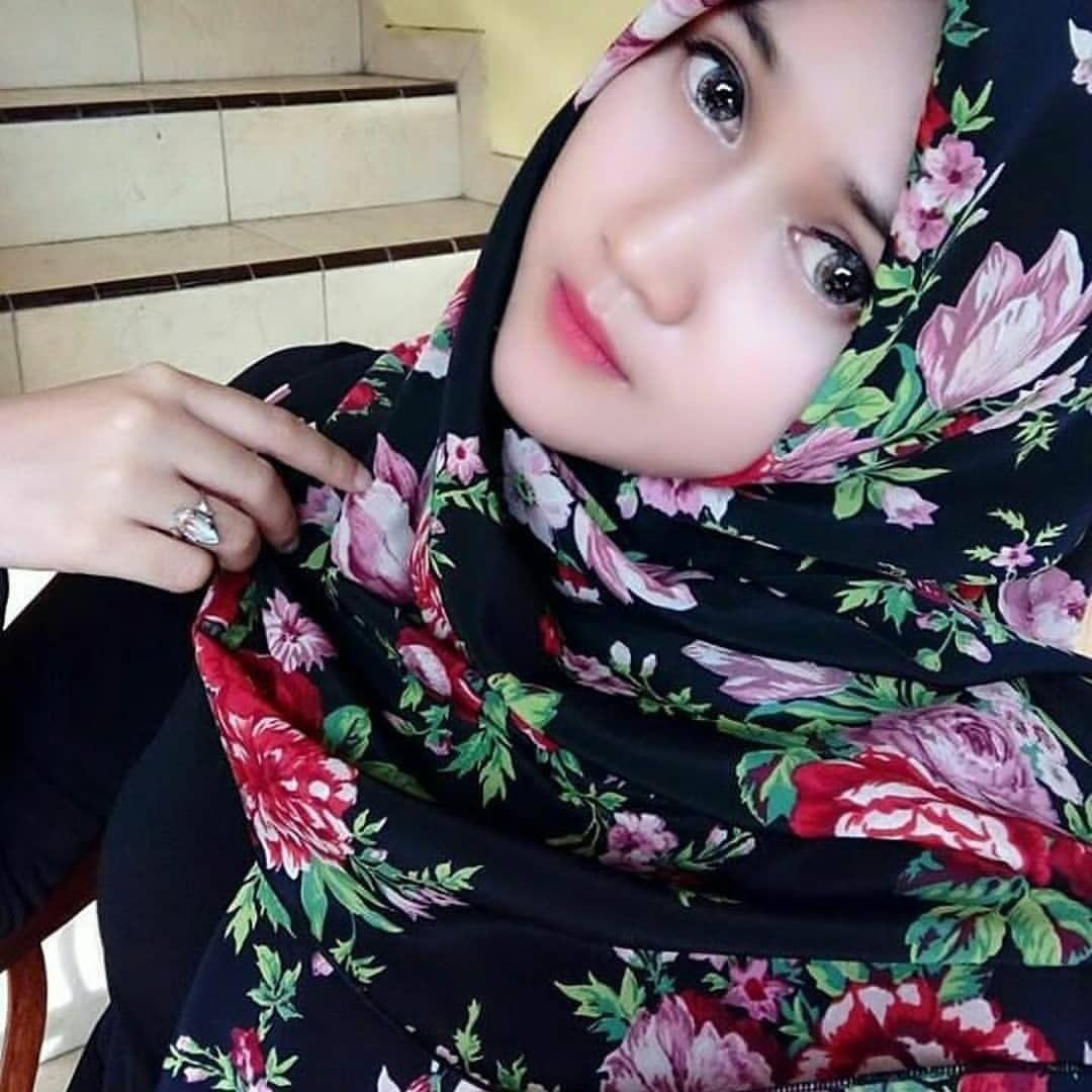 Gambar Mungkin Berisi 2 Orang Gaya Hijab Wanita Cantik Wanita
