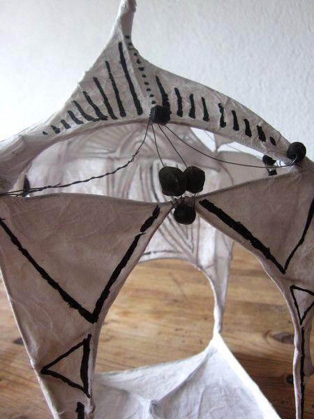 """Anlässlich der *Aktion Kunstraub Nr.6*, mit dem Titel MusterHäuser und dem Thema *""""Afrikanische traditionelle Hauskunst""""*, entstand dieses Lichthau..."""