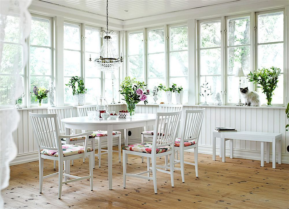 Shabby Chic Sunroom – Relaxing and Radiant Escape