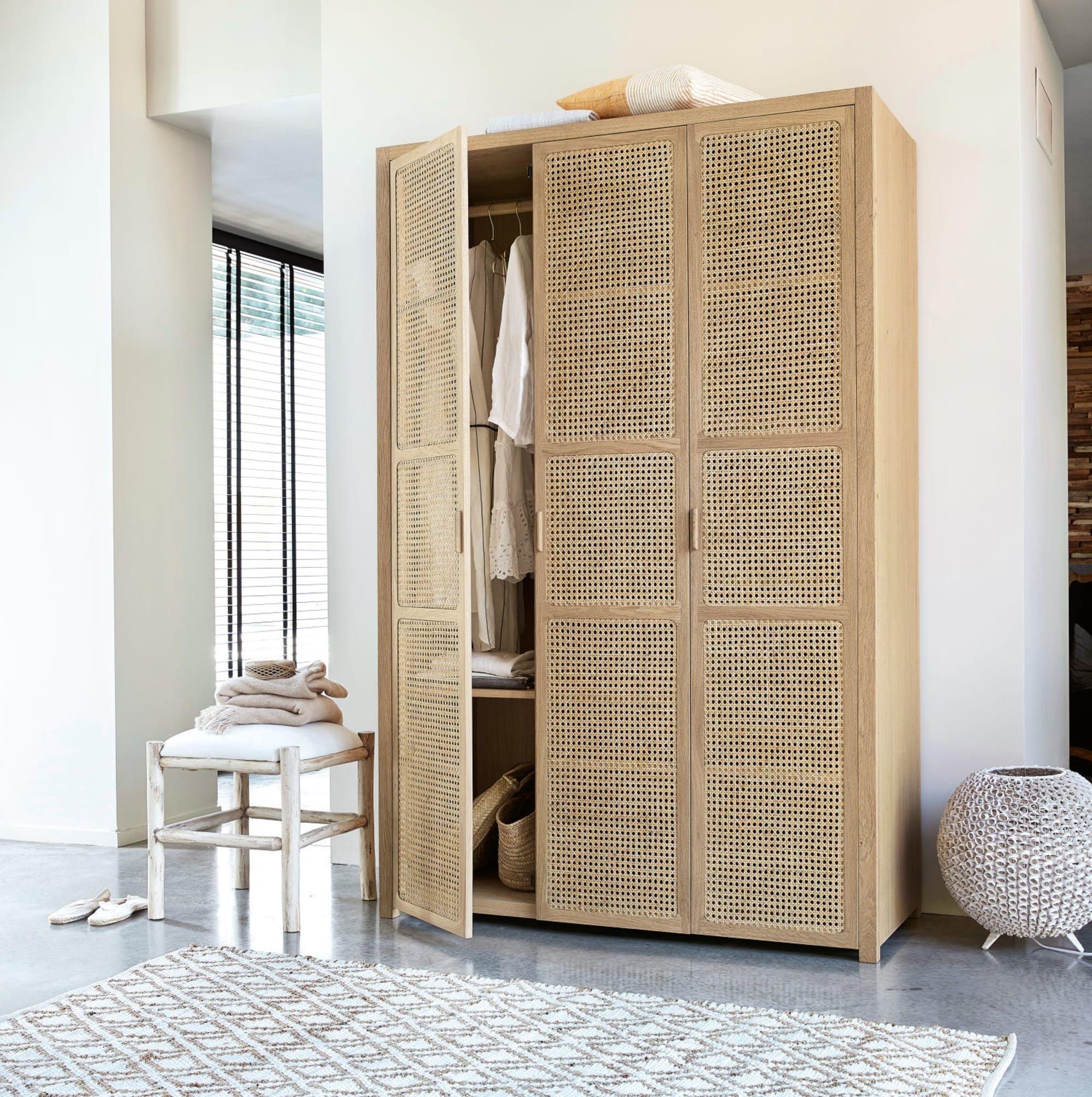 3 Door Wardrobe With Rattan Decoracion De Casas Pequenas