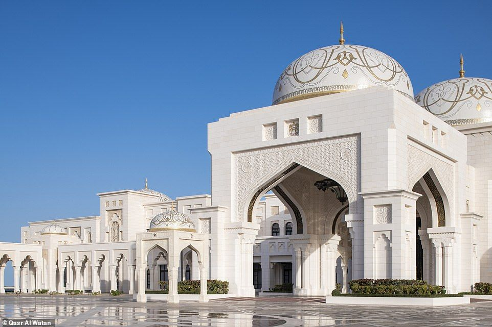 Tourists Are Now Allowed To Visit Abu Dhabi S Presidential Palace Islamic Architecture Architecture Abu Dhabi