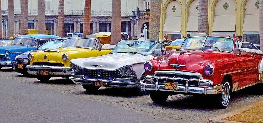 Classic cars in Havana, Cuba | Yank Tanks in cuba | Pinterest ...