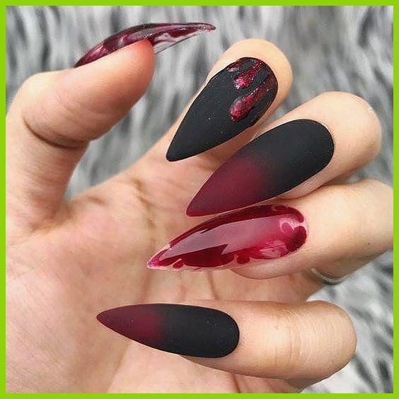 Terrific Finest Delicate Stiletto Nails for Halloween, Delicate Nails; zwarte stijl #delicate #finest #halloween #nails #stiletto Finest Delicate Stiletto Nails for Hallo...