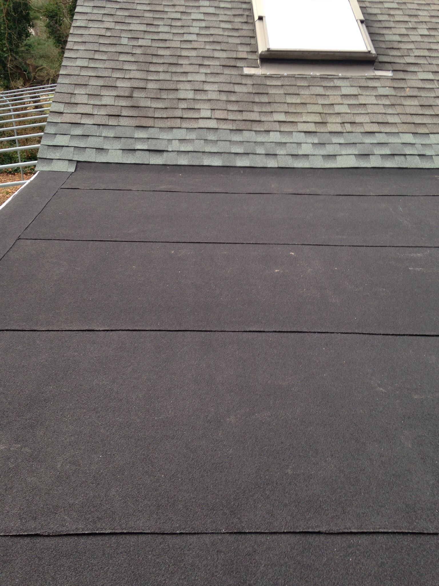 Long Island Flat Roofing Www Liroofrepair Com Commercialroofrepair Roof Repair Roof Leak Repair Roof Installation