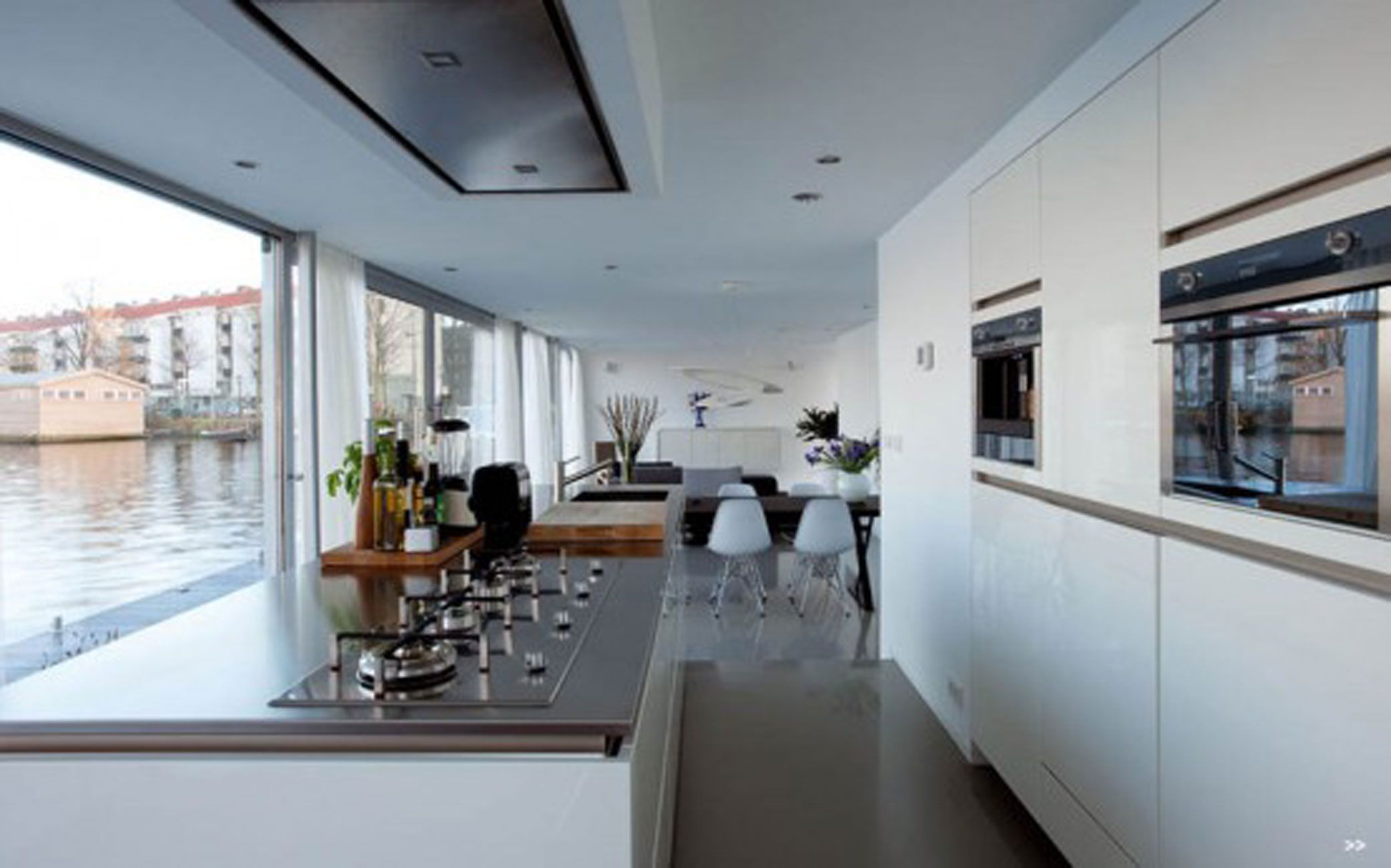 Watervilla De Omval Of Amstel River Floating House Kitchen | A HB ...