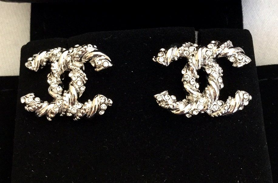 cc85ed335 CHANEL+Silver+Twisted+Crystal+Stud+Earrings+CC+Medium+Size+Hallmark+ ...