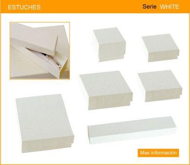 8c9b4bfe4e47 Estuche para joyeria fabricado en carton duro con papel color crema ...