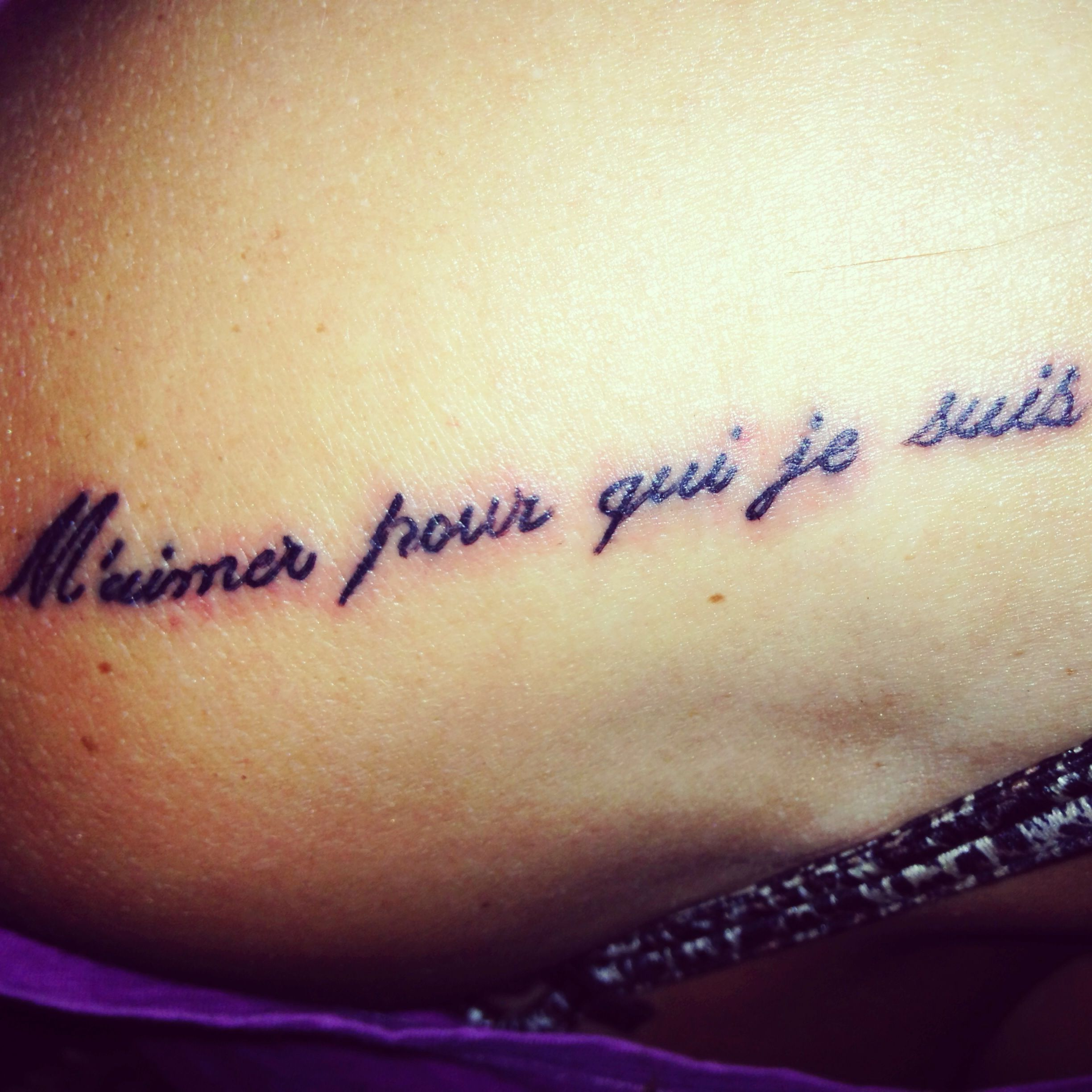 """Love me for who I am"" in French :) 