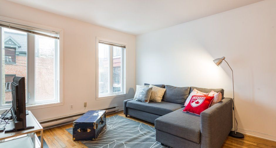 Superbe appartement lumineux de 2 chambres fermées offert en