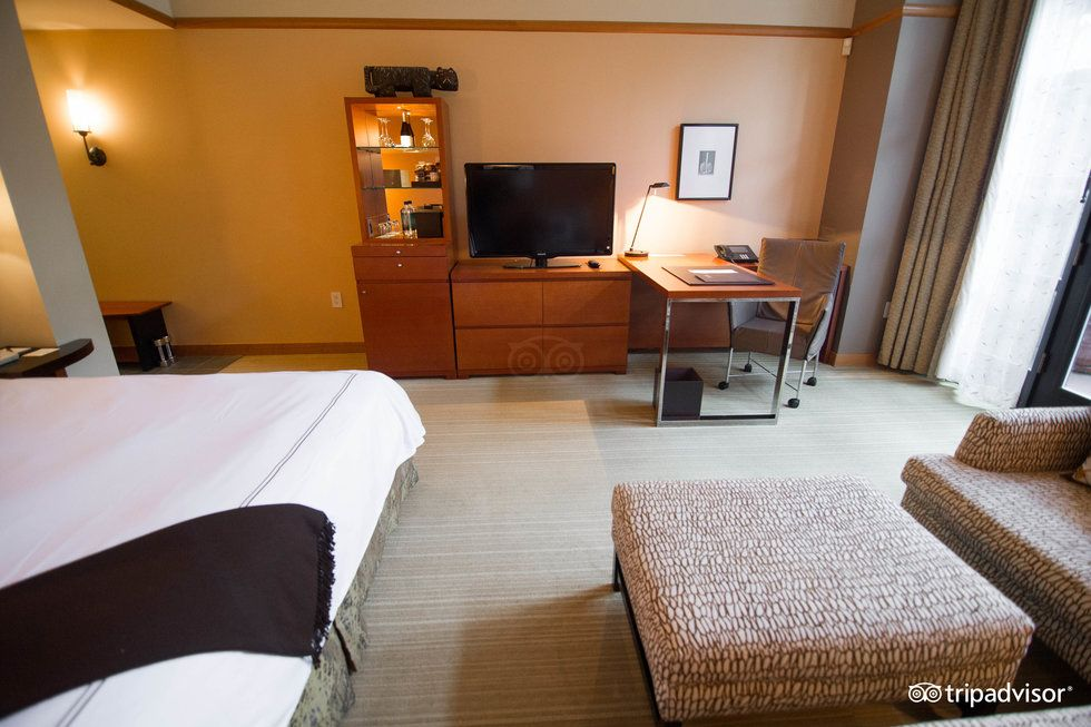 Best Place to Stay on Eastside Review of Hotel Bellevue