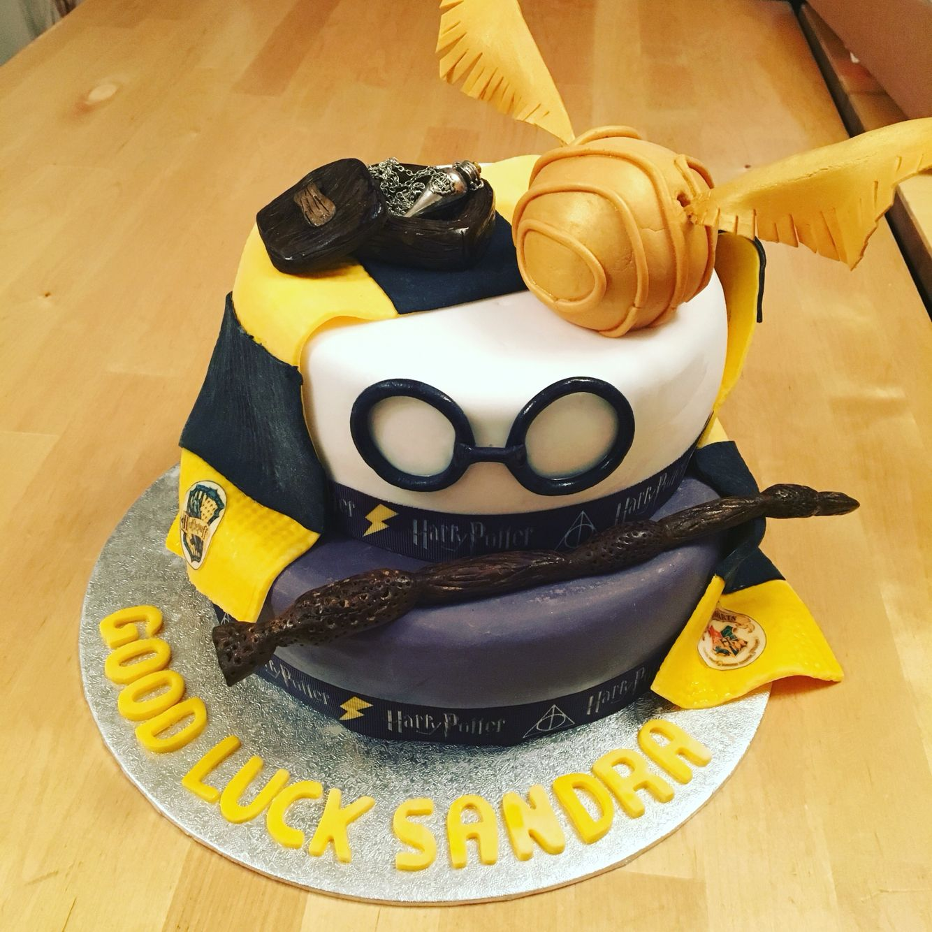 Harry Potter Cake Snitch Wand Magic Hufflepuff Food Pinterest