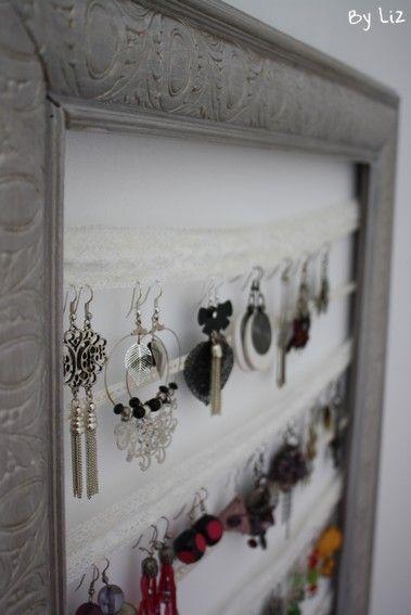 diy un porte boucles d 39 oreilles tout en dentelle bricolages pratiques diy diy earrings et. Black Bedroom Furniture Sets. Home Design Ideas