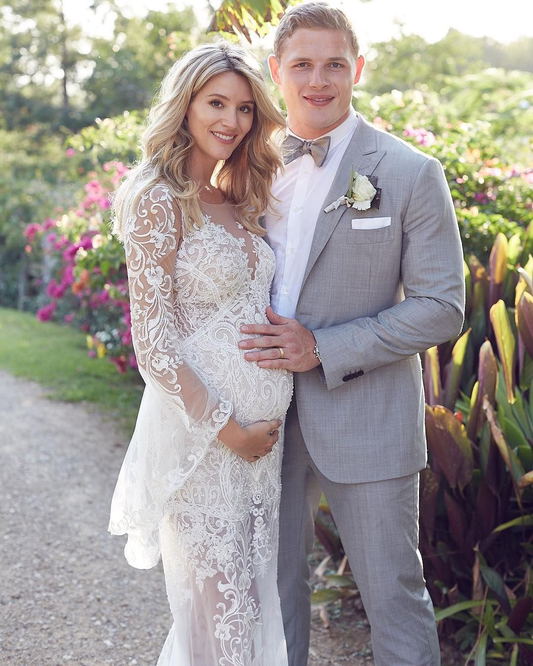 Pregnant tacky wedding dresses