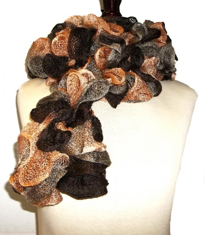 Pumpkin and Chocolate Ruffled Scarf | Wrap it up | Pinterest