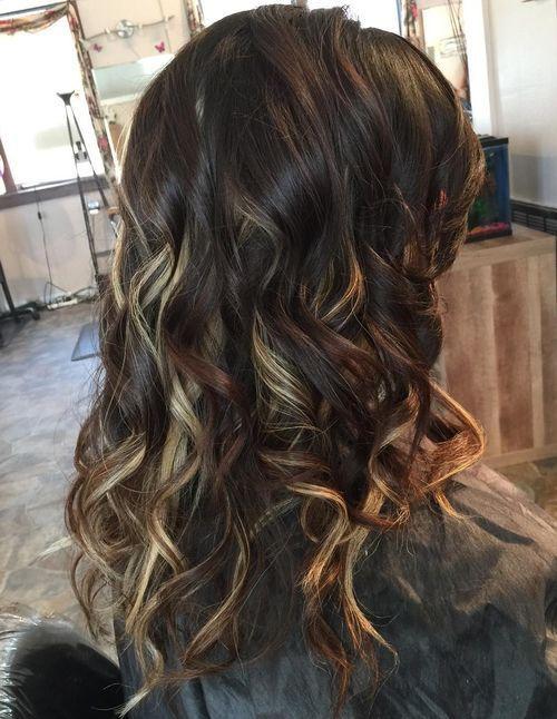 40 Ideas Of Peek A Boo Highlights For Any Hair Color Brown Blonde Hair Hair Highlights Dark Hair With Highlights
