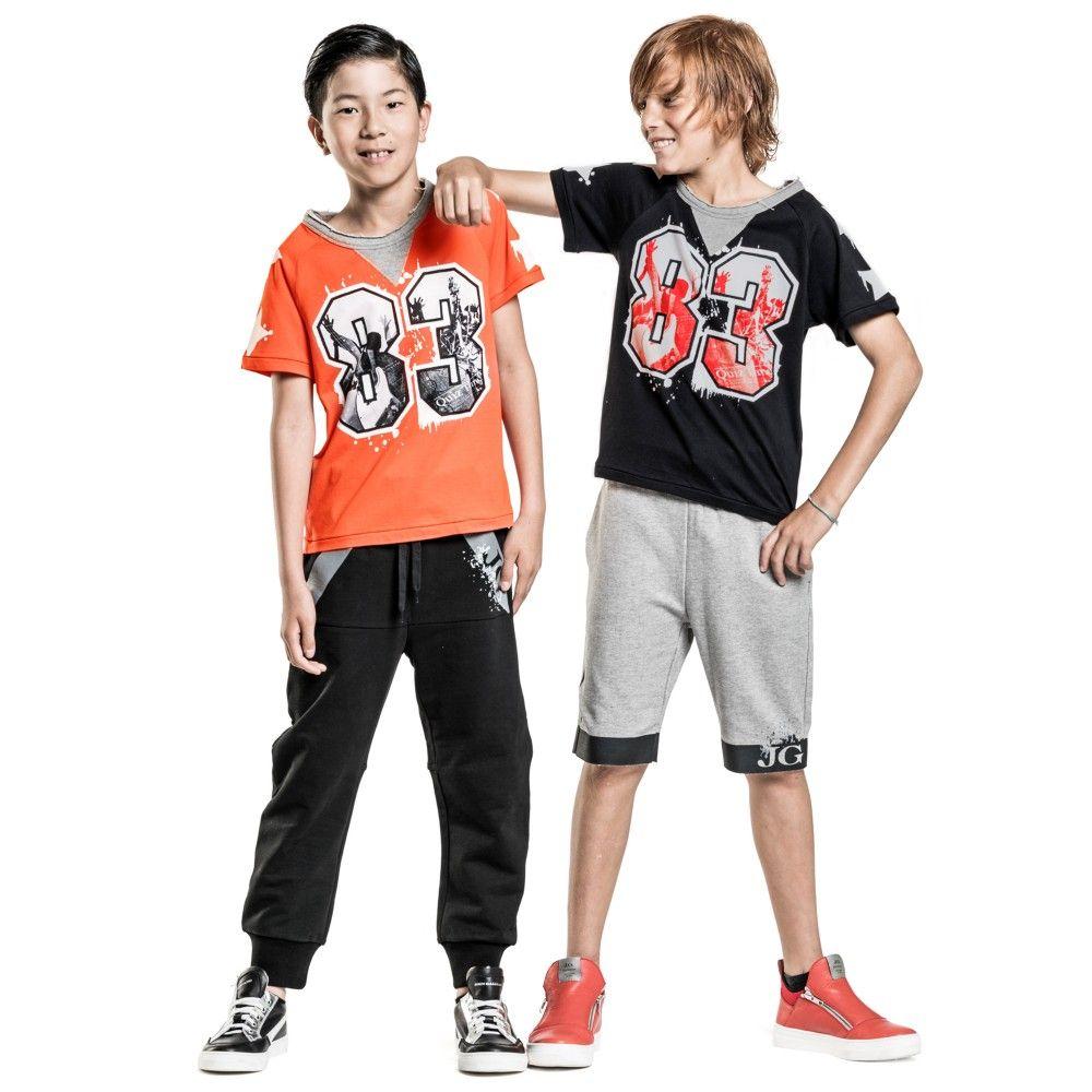 john-galliano-boys-orange-rock-concert-t-shirt-165507-57a23d5b9c3dff48975f53ccf923c762ae73df39-outfit.jpg (1000×1000)