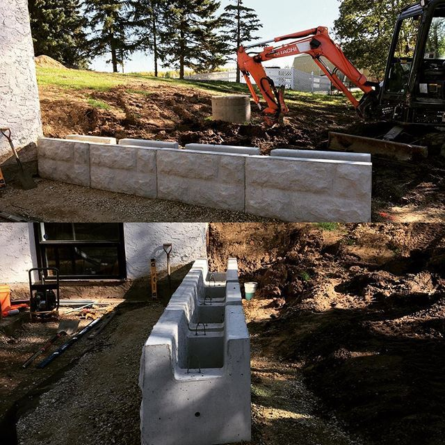 Magnum Stone Install Large Scale Big Block Retaining Wall Not Bad Once You Get The First Row Retaining Wall Concrete Retaining Walls Backyard Retaining Walls